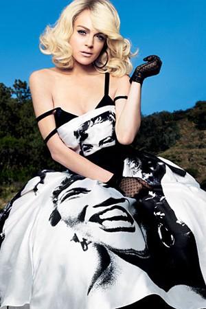 Lindsay Lohan gioca ancora una volta a fare Marilyn sull'edizione spagnola di Vogue