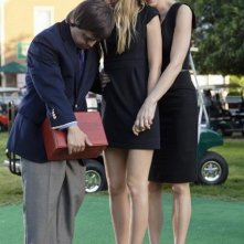 Luke Zimmerman, Megan Park e Josie Bissett in una scena dell'episodio Par for the Course de La vita segreta di una teenager americana