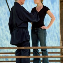 Terence Stamp (Stick) e Jennifer Garner durante una scena del film Elektra