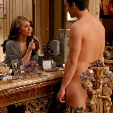 Un'apparizione piccante per la sensitiva Jennifer Love Hewitt in Ghost Whisperer (di fronte a lei, Gil McKinney)