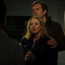Virginia Madsen e Martin Donovan in una scena del film Il messaggero - The Haunting in Connecticut
