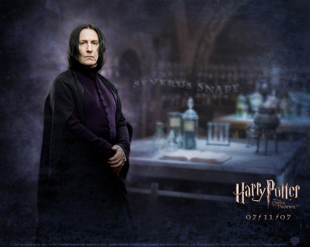 Un wallpaper di Alan Rickman per il film Harry Potter e l'ordine della Fenice