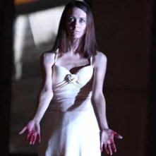 Amy Acker in una scena dell'episodio Epitaph One di Dollhouse