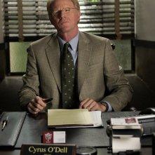Ed Begley Jr. (Cyrus O'Dell) in una scena dell'episodio 'Il male del presidente' di Veronica Mars