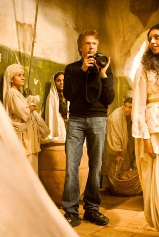 Il produttore Jerry Bruckheimer scatta le foto sul set di Prince of Persia: The Sands of Time