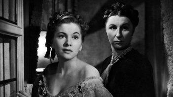 Joan Fontaine e Judith Anderson in una tetra scena di Rebecca, la prima moglie