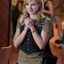 Kristen Bell in una scena dell'episodio 'Graffiti anti-americani' di Veronica Mars