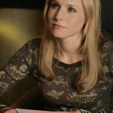 Kristen Bell (Veronica Mars) in una scena dell'episodio 'Graffiti anti-americani' di Veronica Mars