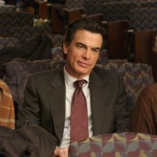 Rose Byrne, Peter Gallagher e Amy Irving in una scena del film Adam