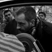 Il regista Giuseppe Capotondi sul set del film La doppia ora