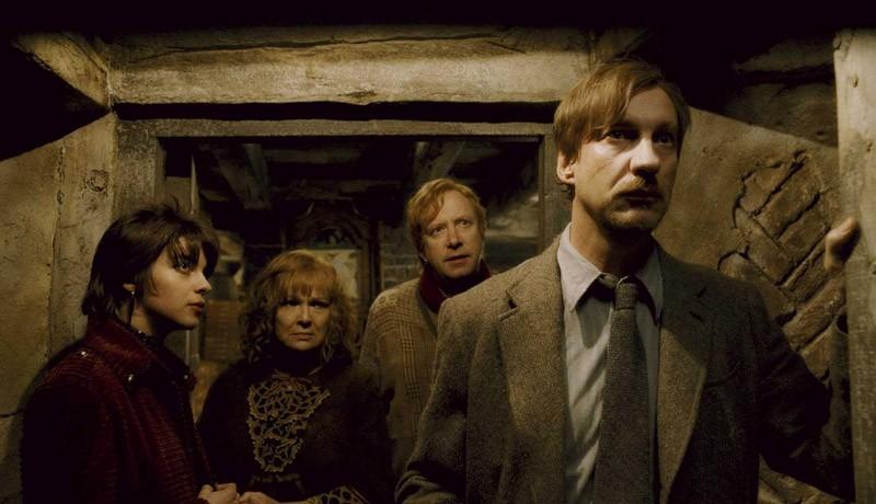 Natalia Tena Nymphadora Tonks Julie Walters Molly Weasley Mark Williams Arthur Weasley E David Thewlis Remus Lupin Nel Film Harry Potter E Il Principe Mezzosangue 125886