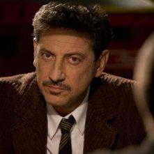 Sergio Castellitto è Franco Campanella nel film Tris di donne e abiti nuziali