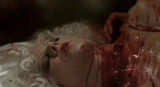Una scena splatter dell'episodio 'Hard-Harted Hannah' della serie tv True Blood