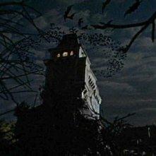Una tetra scena del film Il mistero del castello