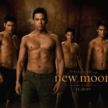 Un wallpaper dei licantropi di New Moon: Chaske Spencer, Alex Meraz, Kiowa Gordon e Bronson Pelletier