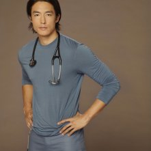 Daniel Henney è il dottor David Lee nella serie Three Rivers