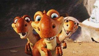 Un primo piano dei tre cuccioli di dinosauro in una scena del film 'Ice Age: Dawn of the Dinosaurs'