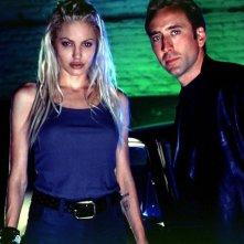 Angelina Jolie e Nicolas Cage in una scena del film Fuori in 60 secondi