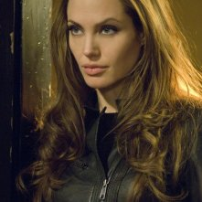 Angelina Jolie in una scena di Wanted