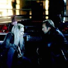 Nicolas Cage è Randall 'Memphis' Raines e Angelina Jolie è Sara 'Sway' Wayland in una scena del film Fuori in 60 secondi