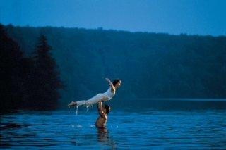 Patrick Swayze e Jennifer Grey in una scena di Dirty Dancing
