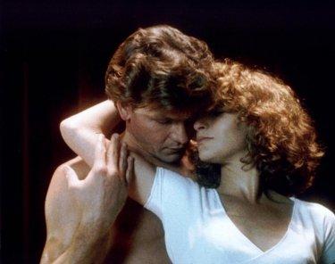 Patrick Swayze e Jennifer Grey in una scena sensuale del film Dirty Dancing
