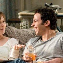 Amy Adams e Chris Messina in un'immagine del film Julie & Julia