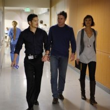 Chris Vance, Nicholas Gonzalez e Marisa Ramirez in una scena dell'episodio Life and Limb di Mental