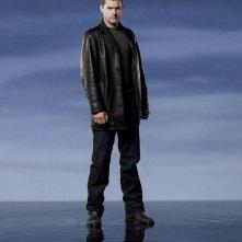 Joshua Jackson è Peter Bishop in una immagine promozionale della stagione 2 di Fringe