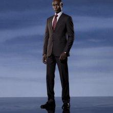 Lance Reddick è l'agente Broyles in una immagine promozionale della stagione 2 di Fringe