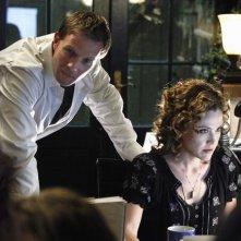 Rupert Penry-Jones e Reiko Aylesworth in una scena di The Forgotten