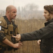 David James e il regista Neill Blomkamp sul set del film District 9