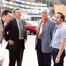 Ed Helms, Alan Thicke, James Brolin e Jeremy Piven in una scena del film The Goods: Live Hard. Sell Hard