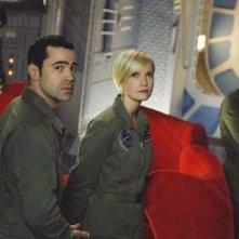 Eyal Podell, Ron Livingston, Laura Harris e Christina Cox nell'episodio Rubicon di Defying Gravity