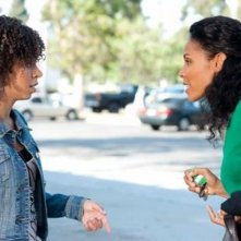 Hannah Hodson e Jada Pinkett Smith in una scena dell'episodio No Guts, No Glory di Hawthorne
