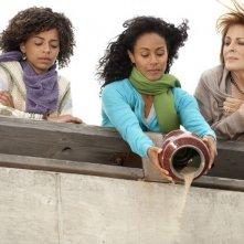 Joanna Cassidy, Jada Pinkett Smith e Hannah Hodson in una scena dell'episodio Hello and Goodbye della serie Hawthorne