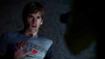 Ryan Kwanten nei panni di Jason Stackhouse in una scena dell'episodio 'Timebomb' della serie True Blood