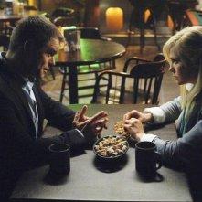 Ty Olsson e Laura Harris nell'episodio Rubicon di Defying Gravity