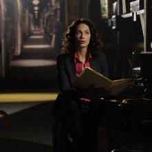 Joanne Kelly in una scena dell'episodio Claudia di Warehouse 13