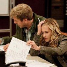 Kenny Johnson ed Holly Hunter in una scena dell'episodio Popcorn di Saving Grace
