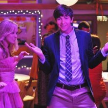 Nicholas Braun e Meaghan Jette Martin in una scena dell'episodio Dance Little Sister di  10 Things I Hate About You