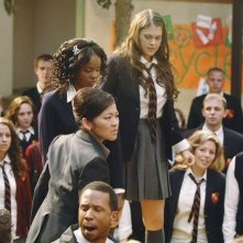 Suzy Nakamura, Dana Davis e Lindsey Shaw nell'episodio Don't Leave Me This Way di 10 Things I Hate About You