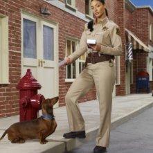 Erica Cerra in una foto promozionale della stagione 3 della serie televisiva Eureka
