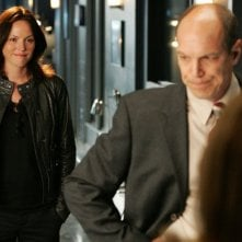 Jorja Fox, nella foto con Marc Vann, torna in CSI nell'episodio Family Affair