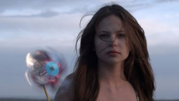 Daveigh Chase in una scena di S. Darko