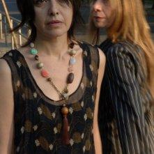 Laura Ferrari ed Elena Calligari in una scena del film Sogno il mondo il venerdì