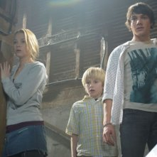 Haley Bennett, Nathan Gamble e Chris Massoglia in una scena del film The Hole in 3D