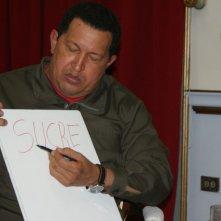 Hugo Chávez in una scena del documentario South of the Border