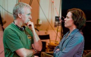James Cameron con Sigourney Weaver sul set di Avatar