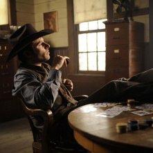 James Roday in una scena dell'episodio High Noon-ish di Psych